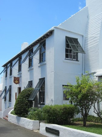 The Bermuda Perfumery: Bermuda beauty