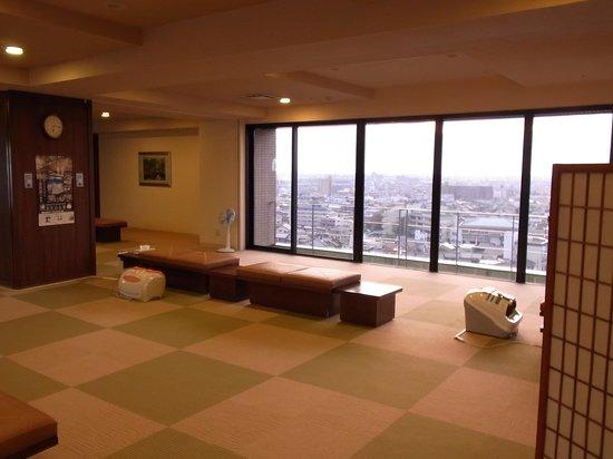 Hotel Route Inn Kanazawa Ekimae : レストルーム-1(入口から見て右側)