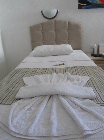 PH Hotel: Twin Room