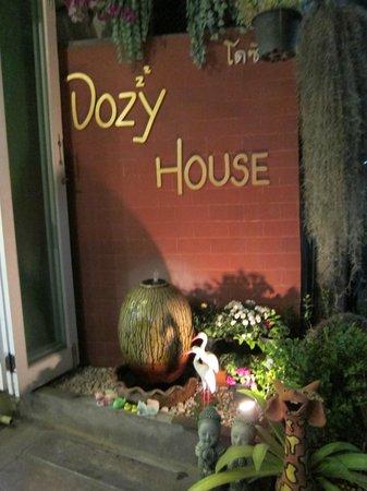 Dozy House: sign