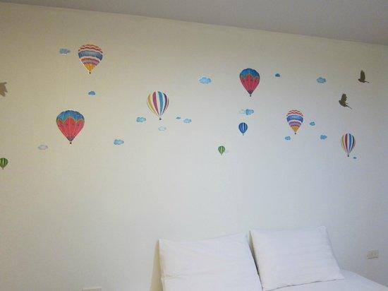 Dozy House: balloon decals