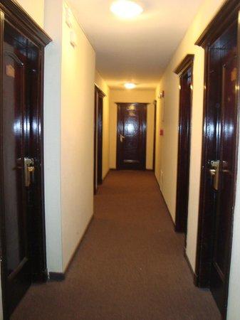 Ermitage Hotel: pasillo y al fondo nuestra habitacion