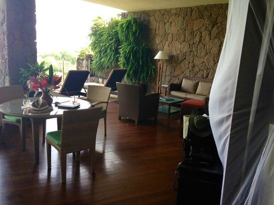 Jade Mountain Resort : more room