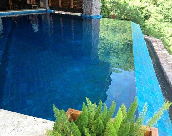Jade Mountain Resort: infinity pool..rm JC5