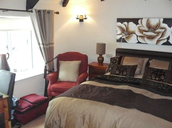 Cottage Bed and Breakfast: Comfy bed