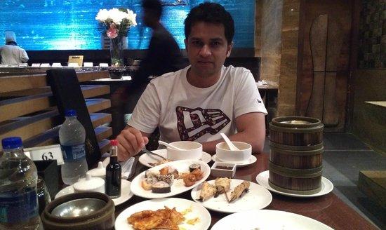 Global Fusion Restaurant : buffet dinner