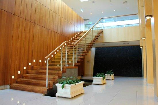 Golden Door Health Retreat & Spa Elysia : Foyer Entrance