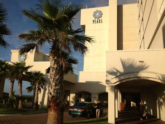 Pearl South Padre: The hotel from front