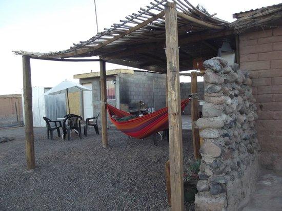 Hostal Millantu: Afuera área comun