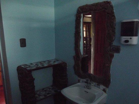 Hostal Millantu: uno de los baños