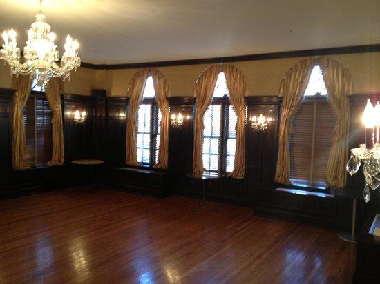 General Francis Marion Hotel: Lovely ballroom