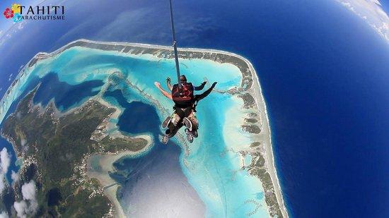 saut en parachute tahiti