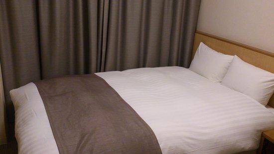 Dormy Inn Tsu: ベッド