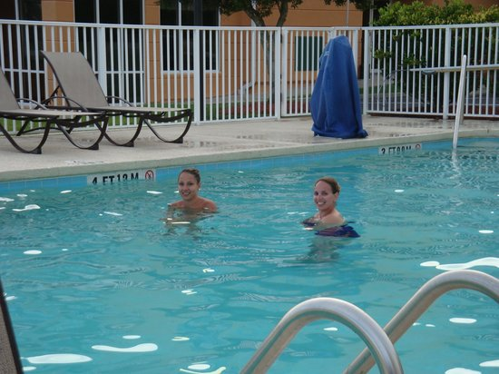 Holiday Inn Express N. Myrtle Beach-Little River: my wife and my step daughter