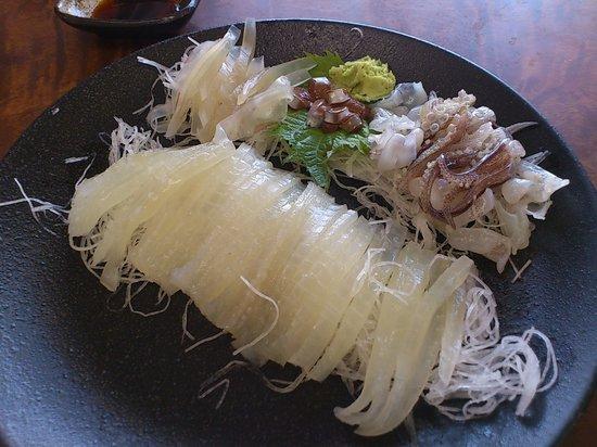 Hatsushima : 食堂街の活きいか刺身