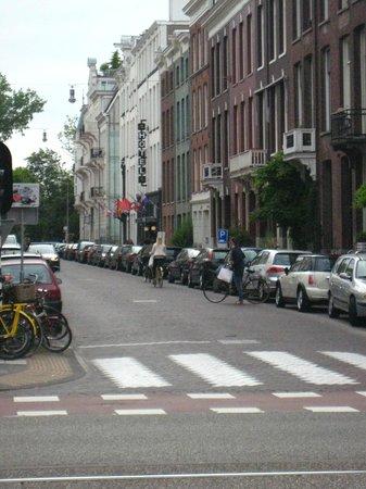 Hotel City Garden Amsterdam: Hotel, street