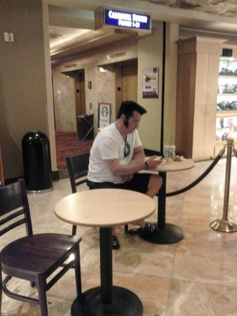 Super 8 Las Vegas North Strip /Fremont Street Area: We found Elvis