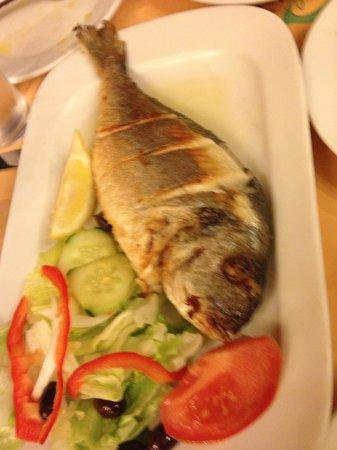 El pescadito: grilled dorada fish