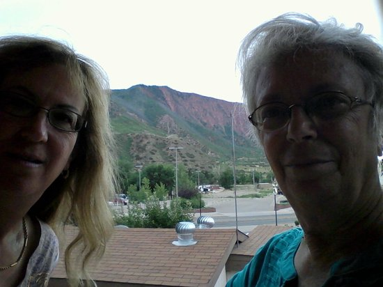 Glenwood Springs Inn: View from 2nd floor balcony