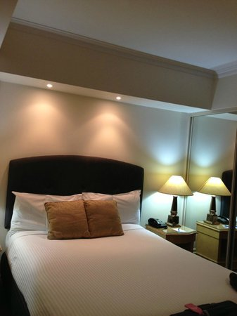 Mantra 2 Bond Street: Bed nearer  to Room Entrance (Sleep 2)