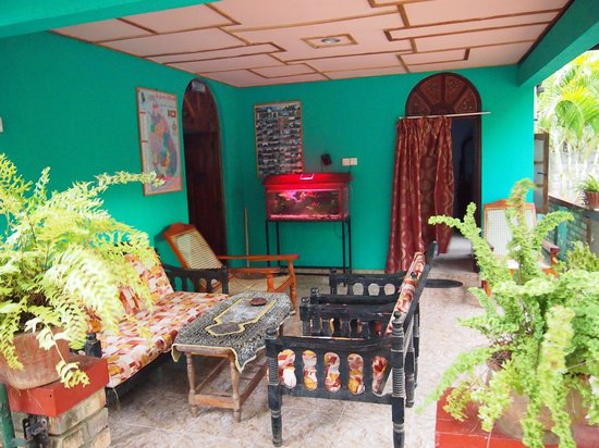 Relax Guesthouse: outdoor terrace