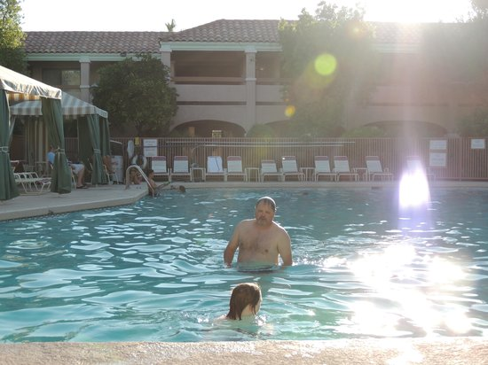 La Fuente Inn & Suites: Pool