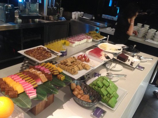 Starz Restaurant: Assorted pastries