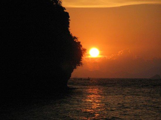 Railay Princess Resort & Spa: Закат на пляже