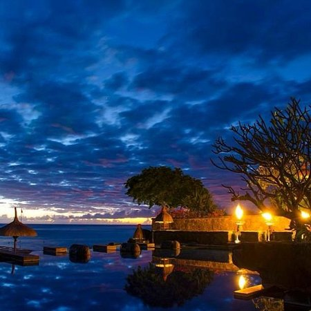 The Oberoi, Mauritius: The view from the pool