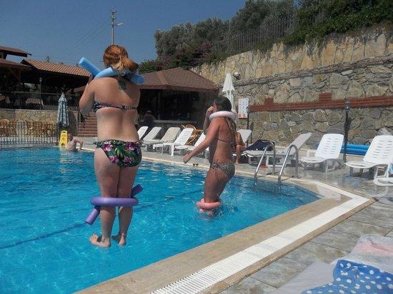 Otel Seden: Fun in the sun