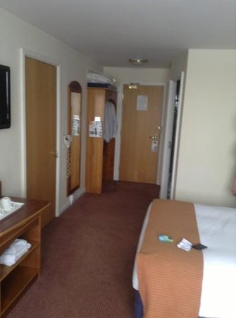 Holiday Inn Express Liverpool-Knowsley: room 2