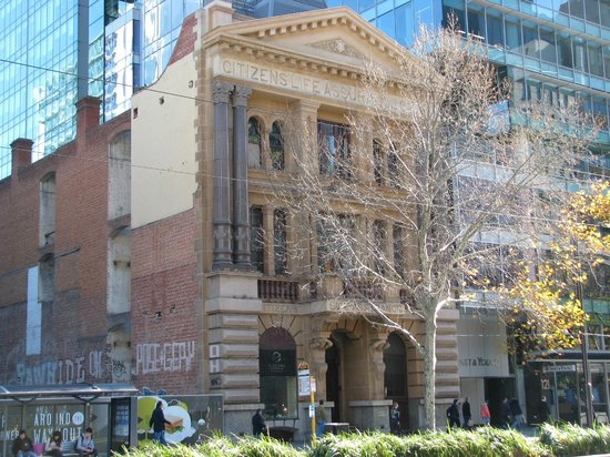 Yella Umbrella Walking Tours: Electra House had Adelaide's first electric lift in 1905