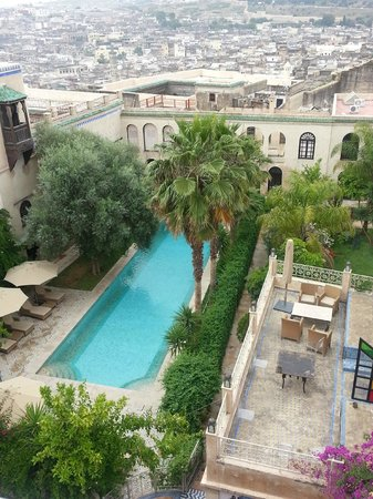 Riad Alkantara: Piscina e giardino meravigliosi