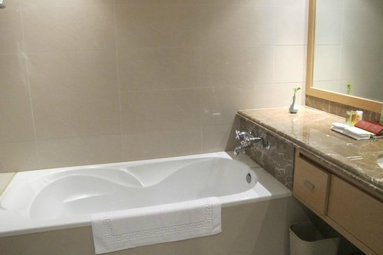 Hotel Kuva Chateau: bathroom
