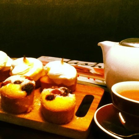 Shawty's Cafe: A great selection of teas and sweets