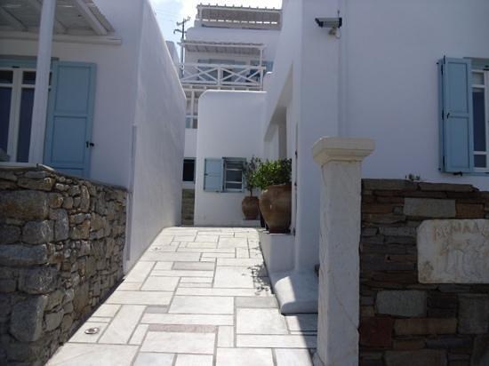 Deliades Hotel: entrance