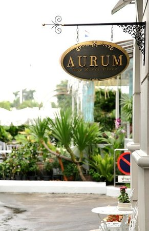 Aurum The River Place: Hotel Entrance