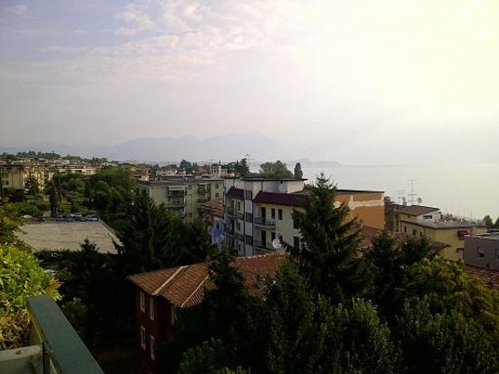 Hotel Bonotto : Lake view (north) from breakfast area