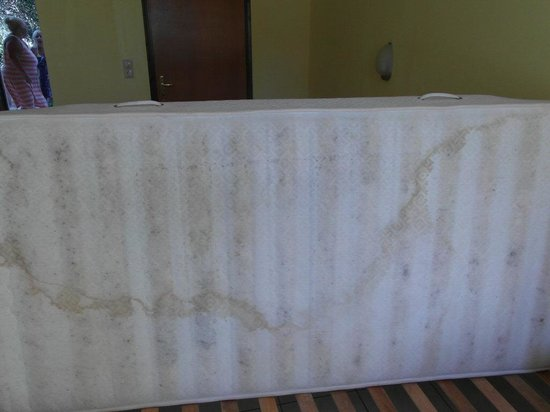 Polyxeni Hotel: mattress
