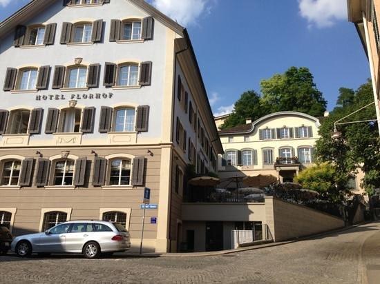 Hotel Florhof: Добавить подпись