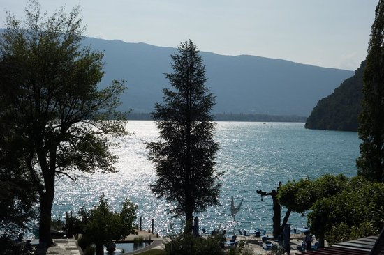 Auberge du Père Bise - Jean Sulpice : Lac d'Annecy