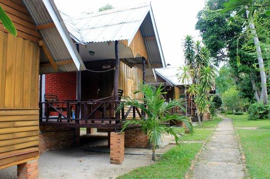 Shangri-La Bungalows: Our bungalow