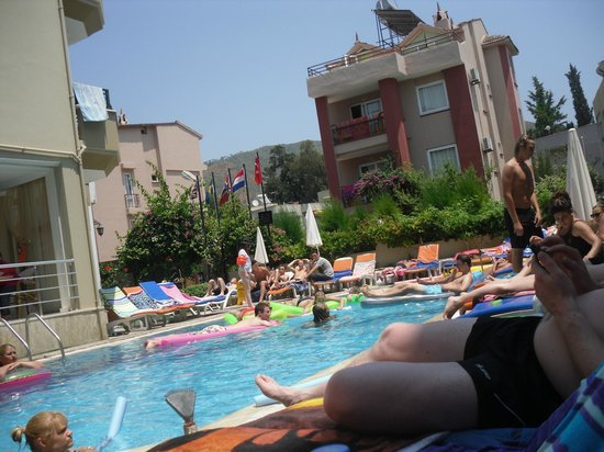 Liman Apart Hotel : lovely pool cleaned every day