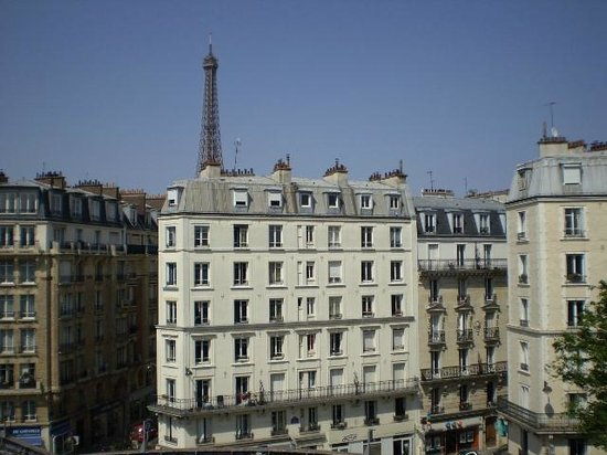 Mercure Paris Tour Eiffel Grenelle Hotel: View from 504