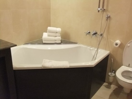 Hotel La Citadelle Metz - MGallery Collection: オシャレなバスルーム