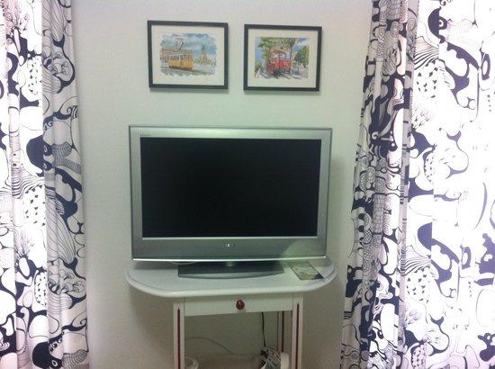 Lisbon Inn: Gloria o - Led TV