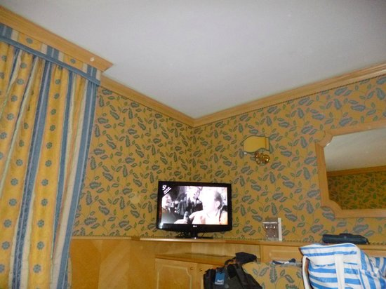 Spinale Hotel: room1