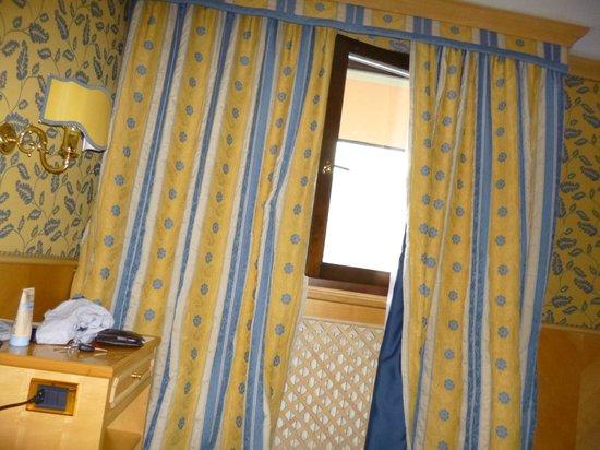 Spinale Hotel: room decor