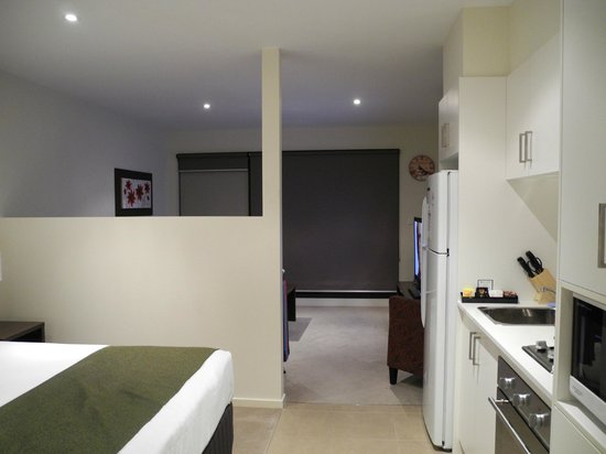 Apartments @ Glen Central : Studio Apartment@Glen Central ViQi