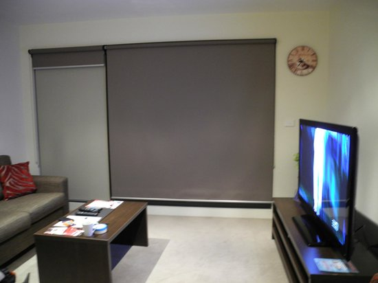 Park Avenue - Glen Central: Studio Apartment@Glen Central ViQi